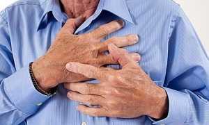 При стенокардии давление повышается
